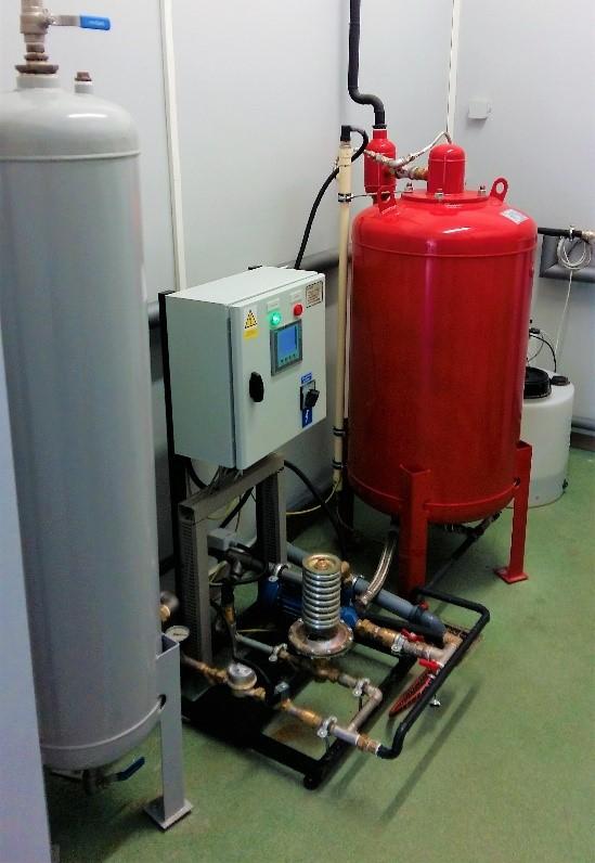 Zestaw do automatycznej stabilizacji ciśnienia uzupełniania i magazynowania nadmiaru czynnika typ TERMAX